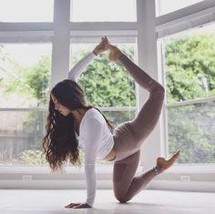 Detox Yoga, Yoga Diet, Yoga Pictures, Yoga Photos, Yoga Routine, Advanced Yoga, Beginner Yoga, Corps Yoga, Yoga Fitness