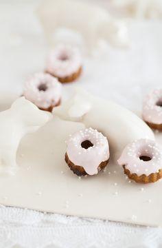 """ www. White Desserts, No Bake Desserts, Dessert Recipes, Cupcakes, Cupcake Cakes, Bundt Cakes, Honey Recipes, Sweet Recipes, Macaroon Cake"