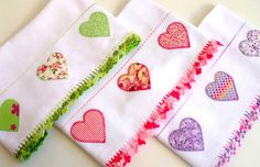 ideas for finished edge of kitchen towel Soft Towels, Dish Towels, Hand Towels, Tea Towels, Machine Embroidery Patterns, Sewing Patterns, Crochet Patterns, Sewing Crafts, Sewing Projects