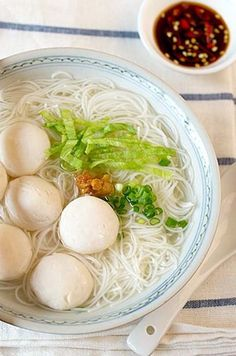 Fish Ball Soup (魚丸湯).