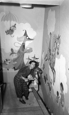 Tove Jansson painting murals at the Aurora Children's Hospital Tove Jansson, Moomin Valley, Helsinki, Gouache, Childrens Hospital, Mural Painting, Children's Book Illustration, Collage, Pastel