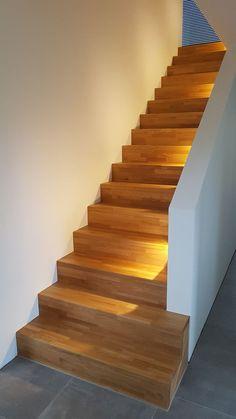 Straight stairs, lighting, oak - #eiche #Lighting #oak #stairs #Straight