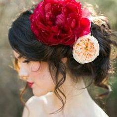 #flowersinherhair #weddinghair #updos