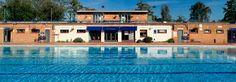 The joy of swimming outdoors in heated water - Hampton Pool