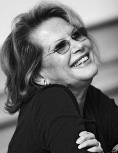 Claudia Cardinale cumple 75 sonrientes, naturales y elegantes años (FOTOS)