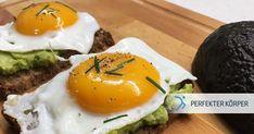 Power-Frühstück mit Avocado🥑🥑👌  Auch wenn die Zeit am Morgen häufig knapp ist, sollte man auf ein gesundes und ausgewogenes Frühstück auf keinen Fall verzichten. ☝ Zum Glück gibt es viele Frühstücksrezepte, die in weniger als 10 Minuten fertig sind – so wie diese leckeren Avocado-Brote, die für reichlich Energie und einen guten Start in den Tag sorgen werden!👌😉