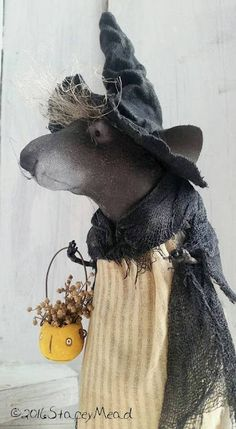 The Goode Wife of Washington County: Candlelight, Cranford And Tiny Stitches ©2016 Stacey Mead Nellie Rat Rat Witch Halloween mouse