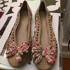 Super cute summer flats Excellent condition!! Vintage Shoes Flats & Loafers