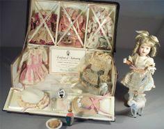 A Rare Find Wendy Lawton Doll Mignonette & her Malle du Voyage w Trousseau #41