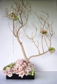 I'm just loving the easy elegance of this feature..... ( International Florist Organisation FLORINT.ORG )  It's so c...