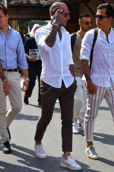 Awesome looking mens fashion casual Stylish Men, Men Casual, Smart Casual, Bald Men Style, Style Masculin, Look Man, Best Mens Fashion, Bald Men Fashion, Fashion Edgy