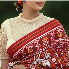 23 Ideas Embroidery Designs For Neck Wedding Dresses For 2019 Blouse Designs High Neck, Sari Blouse Designs, Fancy Blouse Designs, Designer Blouse Patterns, Saree Blouse Patterns, Pattern Blouses For Sarees, Latest Blouse Designs, Choli Designs, Kurta Designs