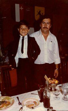 Pablo Escobar and his Son Sebastián Marroquín born, in Pablo Emilio Escobar, Pablo Escobar Poster, Don Pablo Escobar, Pablo Escobar Family, Real Gangster, Mafia Gangster, Narcos Pablo, Colombian Drug Lord, Hip Hop Art