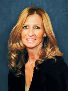 We are delighted to welcome Tracey Lesnau to the Charles Reinhart Company, Realtors