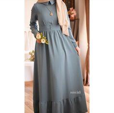 Abaya Fashion, Muslim Fashion, Fashion Dresses, Hijab Style Dress, Hijab Outfit, Modele Hijab, Viscose Dress, Batik Dress, Long Sleeve Shirt Dress