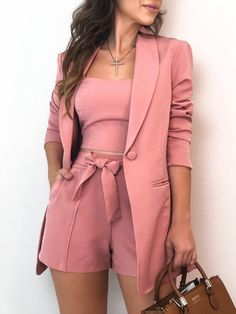 𝓟𝓲𝓷𝓽𝓮𝓻𝓮𝓼𝓽: kayliisis ✨ looks femininos, roupas da moda, roupas top, roupas chique Blazer And Shorts, Blazer Outfits, Shirt Skirt, Lace Shorts, Classy Outfits, Chic Outfits, Pink Outfits, Trend Fashion, Womens Fashion