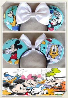 Selfie Inspired Minnie Mouse Disney Ears - Source Instagram @earbowtique