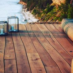 Curved wooden decking #bolefloor