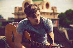 Max Milner great singer!!