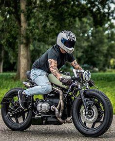 "BMW ""The Mutant"" in action. Gs 500 Cafe Racer, Cafe Racer Honda, Cafe Racer Style, Cafe Bike, Custom Cafe Racer, Cafe Racer Bikes, Bike Style, Kawasaki Cafe Racer, Moto Bike"