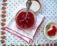 The Vintage Recipe Project: Strawberry Sauce