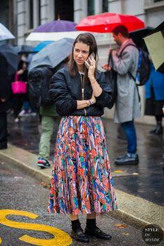 Milan Fashion Week FW 2016 Street Style: Natasha Goldenberg - STYLE DU MONDE | Street Style Street Fashion Photos
