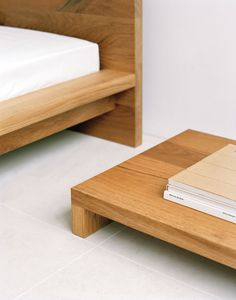 Low bedside table : Philipp Mainzer | A R T N A U