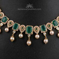 Kameswari Jewellers says(in deep red gems)🐦🐦🐦🐦🐦😍😍😍😍😍😍… Emerald Jewelry, Beaded Jewelry, Diamond Jewelry, Gold Jewelry Simple, Gold Jewellery Design, Necklace Online, Fashion Jewelry, Jewels, Green Onyx