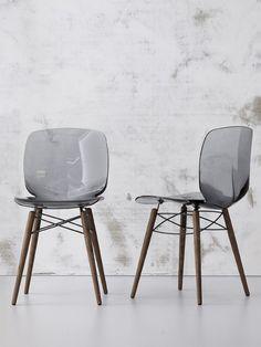 Braga, decoração de interiores #decoracao #design #braga #natal #vermelho www.atmospheras.pt  Cadeira LOTO W @Bonaldo