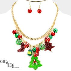 "CHRISTMAS HOLIDAY ""SUPER CHUNKY MULTI- CHARM NECKLACE JEWELRY SET / GREAT GIFT #Unbranded"