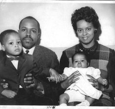 Vintage Images of African American Families We Love! - Black Southern Belle Best Home Hair Color, Family Photos, Couple Photos, Black History Facts, Big Family, Southern Belle, Vintage Images, Our Love, Families