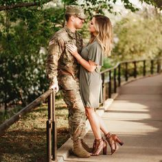(:Tap The LINK NOW:) We provide the best essential unique equipment and gear for active duty American patriotic military branches, well strategic selected.We love tactical American gear. How To Take Engagement Photos Yourself Military Couple Pictures, Military Couples, Military Girlfriend, Military Love, Army Engagement Pictures, Marine Girlfriend Pictures, Military Family Photos, Unique Engagement Photos, Christian Marriage