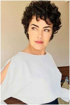 Short Curly Hairstyles For Women, Curly Hair Styles, Haircuts For Curly Hair, Curly Hair Cuts, Hair Styles 2016, Hairstyles Haircuts, Short Hair Cuts, Bob Hair, Relaxed Hairstyles