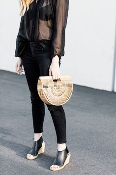 wooden woven bag // style // accessories // bag // spring