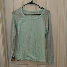 American Eagle ultimate tee Baby Blue and sheer silver sleeves. Base ball tee style super comfortable and cute. American Eagle Outfitters Tops Tees - Long Sleeve