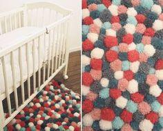 Modeuse Timbree - Blog mode et tendances: Diy Tapis pompons Puff Blanket, Diy Tapis, Pom Pom Rug, Sewing Crafts, Diy Crafts, Pom Pom Crafts, Knitting For Kids, Kids House, Diy For Kids