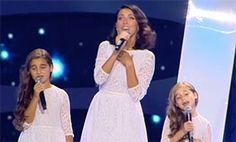 """Дочери Алсу впервые вышли на сцену и исполнили с мамой """"Зимний сон"""", HELLO! Russia"""