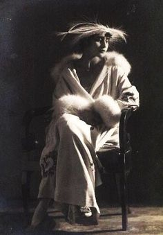Vera Kholodnaya, 1918.