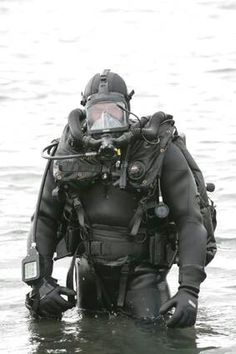 CDLSE Stealth rebreather http://www.deepbluediving.org/how-to-choose-a-scuba-diving-computer/