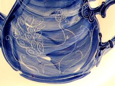peacock teapot plate (detail) Peacocks, Frogs, Teapot, Drawer, Plush, Plates, Ceramics, Detail, How To Make