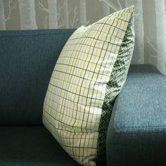 Putetrekk - neongult og grått, Linnerla. Til salgs på epla.no/shops/linnerla Throw Pillows, Bed, Home, Toss Pillows, Cushions, Stream Bed, Ad Home, Decorative Pillows, Homes