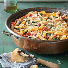 One-Pot Pasta with Tomato-Basil Sauce   22 Easy One-Pot Meals With No Meat
