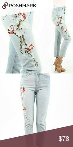 ⚘Distressed embroidered jeans Embroidered floral design highlight these light wash capri jeans. Fit true to size E2 Clothing Jeans