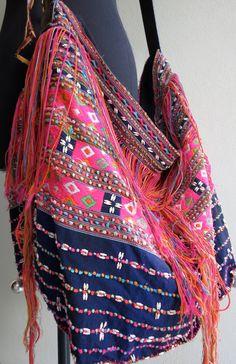 Étnicos de bolsos hechos a mano bolsos de por shopthailand en Etsy