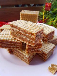 Foi de napolitana cu crema caramel, biscuiti si nuca | Sisters' Kitchen