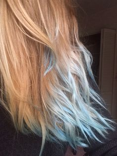 Light blue dipped dyed tips