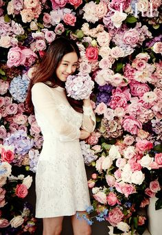 As muse of Downy Aroma Floral/Jewel, Jung Ryeo Won nuzzles a bounty of scented flowers for the July issue of SURE. Korean Actresses, Asian Actors, Actors & Actresses, Korean Actors, Korea Fashion, Girl Fashion, Jung Ryeo Won, Korean Face, Best Face Products
