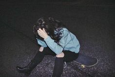 Image about girl in grunge by alàska young on We Heart It Grunge Outfits, Grunge Fashion, Hipster Fashion, Grunge Photography, Life Photography, Teenage Photography, Fashion Photography, Rock Style, Fotografia Grunge