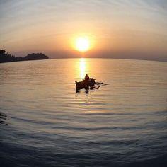 oke nih!!     diambil sama #papuaphotographers : @chuangk Lokasi : rajaampat    kesini asyiknya rame rame... ayo mention temen/saudara/sahabat/pasangan yang juga #pengenkerajaampat   #rajaampat #rajaampatisland #rajaampattrip #indonesiaphotographers #rajaampatislands #pengentraveling #pengenkelilingindonesia #pengenkelilingdunia  #explorerajaampat