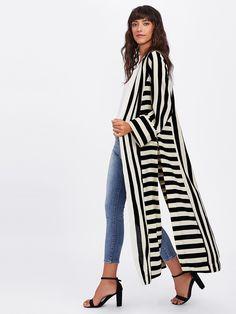 SheIn offers Block Stripe Slit Side Kimono more to fit your fashionable needs. Look Kimono, Kimono Outfit, Kimono Cardigan, Kimono Jacket, Kimono Fashion, Hijab Fashion, Fashion Clothes, Fashion Dresses, Kimono Style